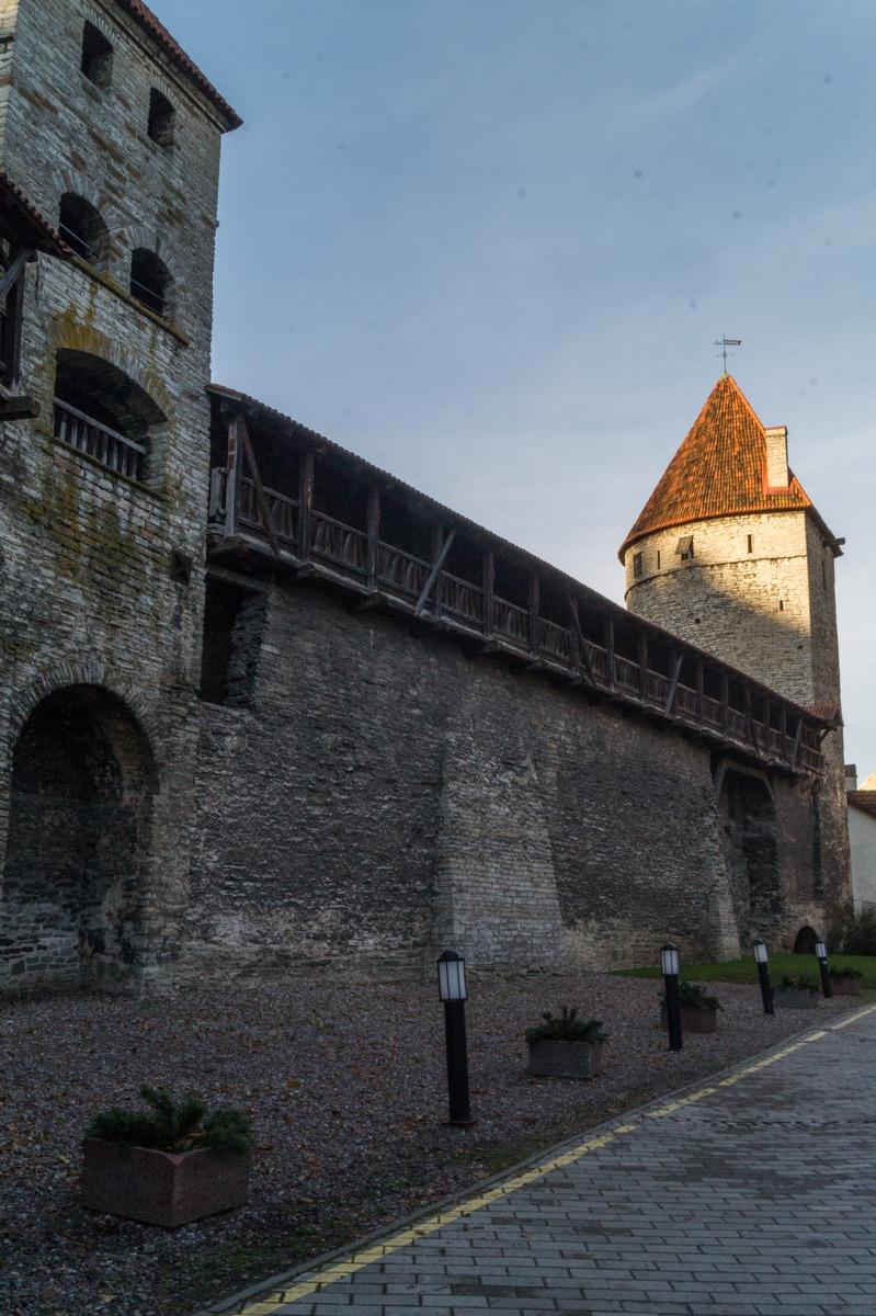 Таллин. Нижний город. Башня Кулдъялг.