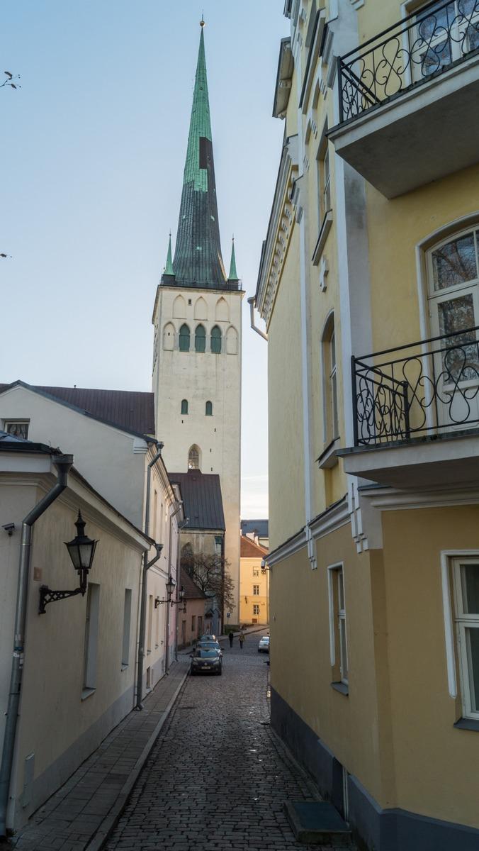 Таллин. Церковь Олевисте. Еще один ракурс.