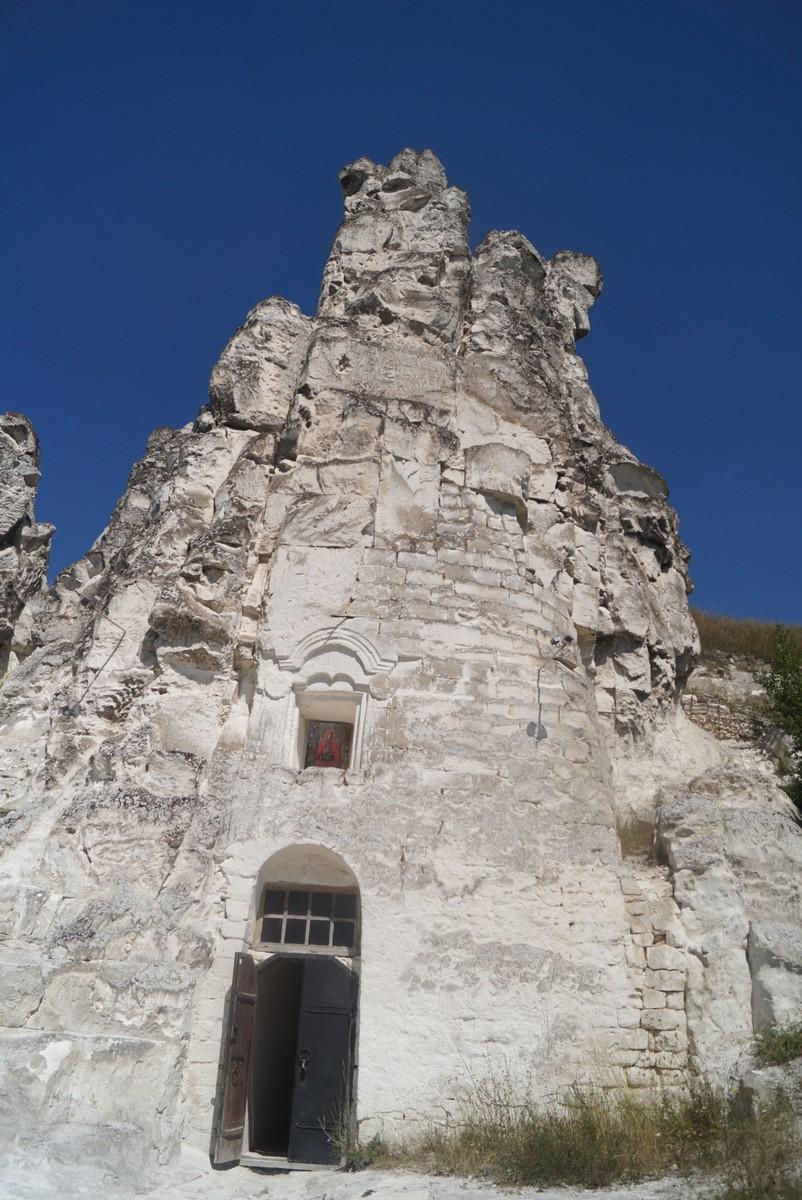 Дивногорье. Пещерный комплекс в Больших Дивах с церковью Сицилийской иконы Божией матери.