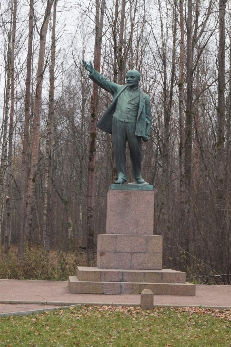 """Музейный комплекс """"Шалаш Ленина"""" у Разлива.  Ленин."""