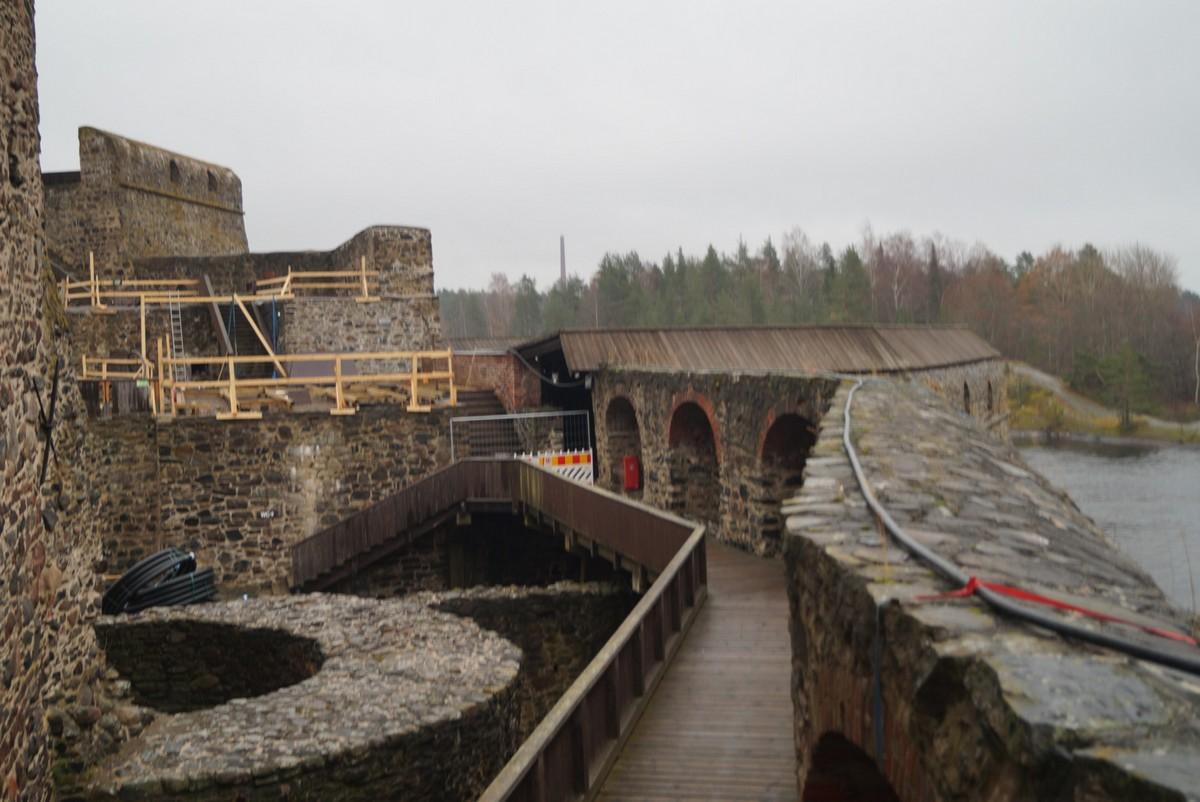 Финляндия. В крепости Олавинлинна. На стенах крепости.