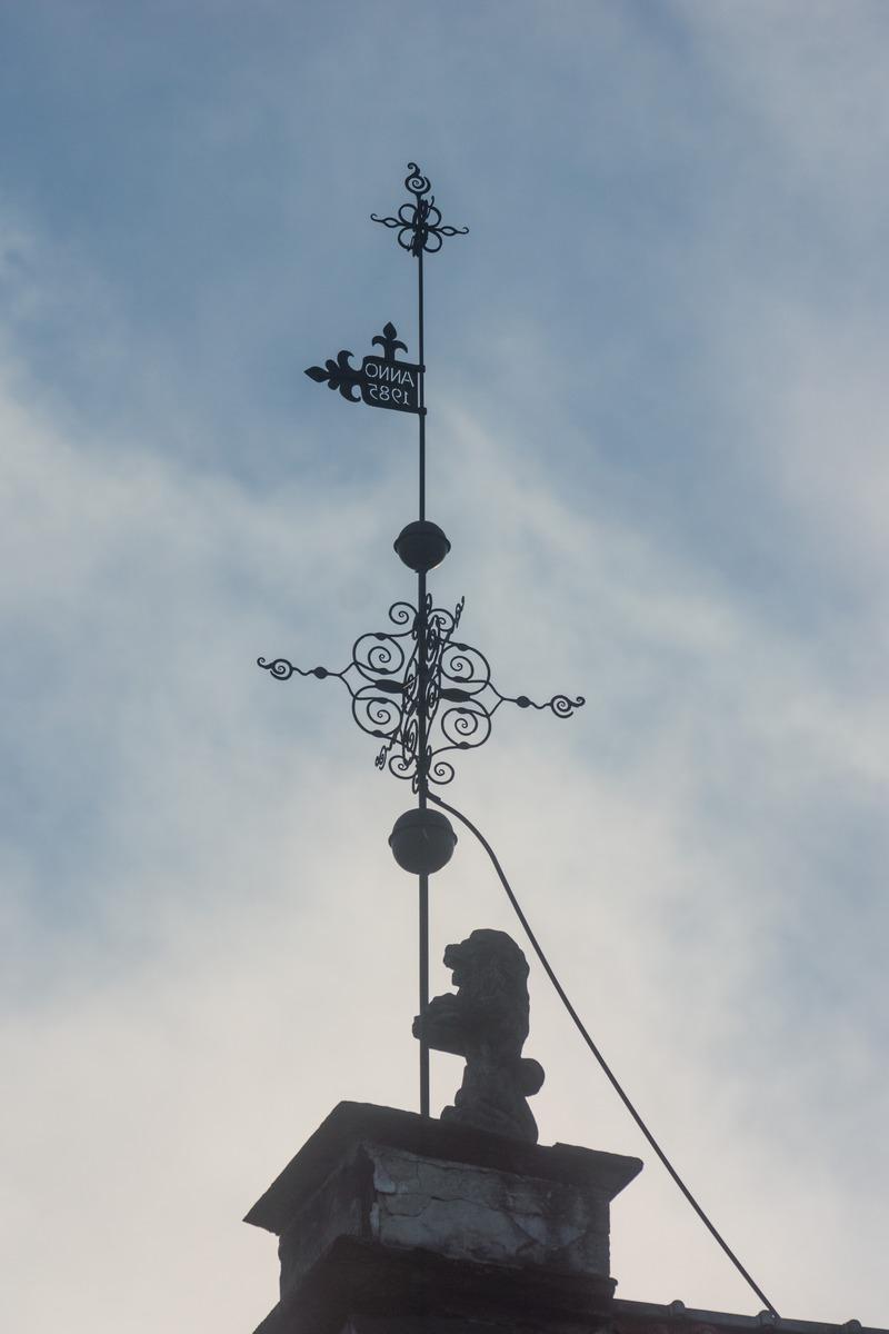 Таллин. Лев на крыше Ратуши.