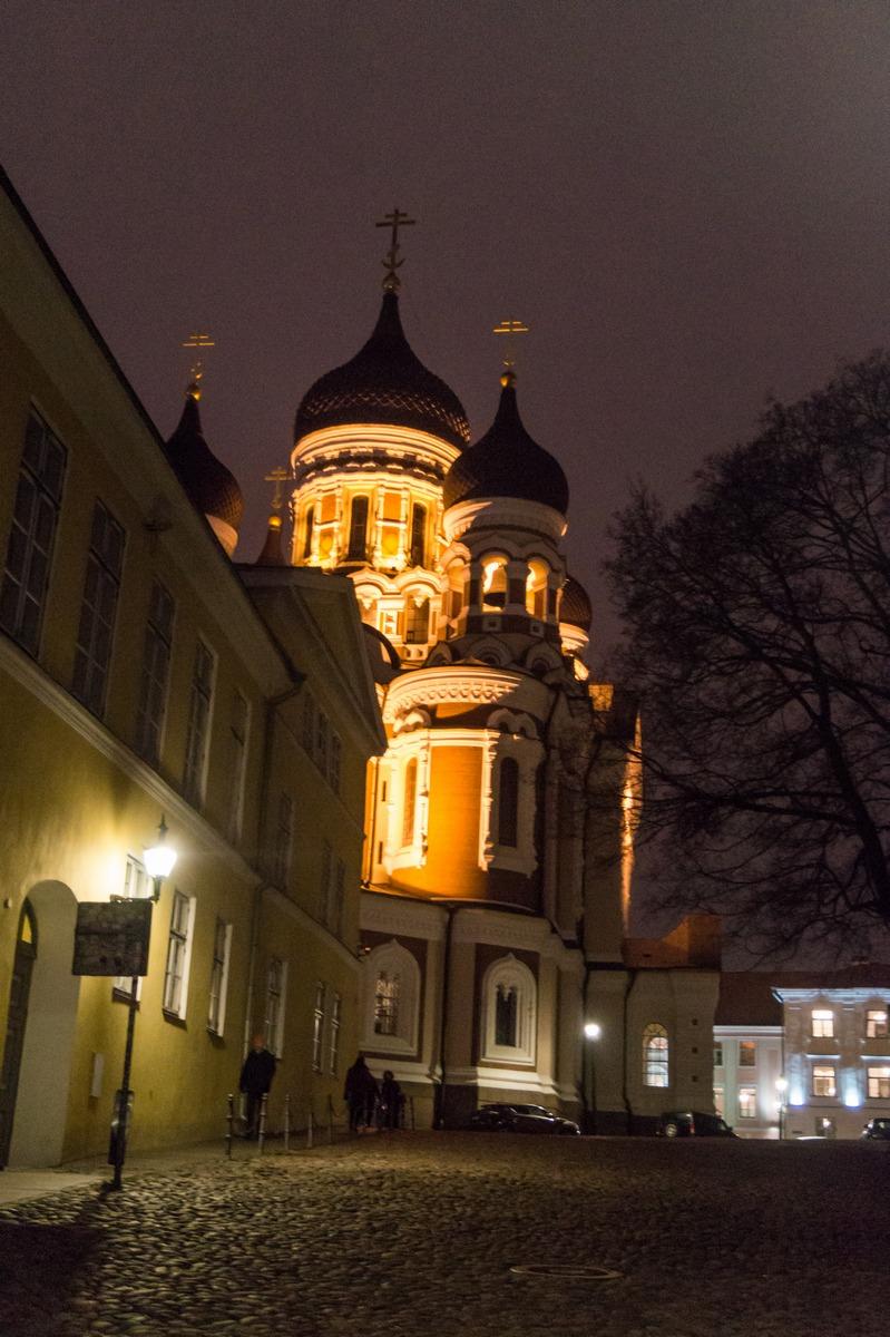 Вечерний Таллин. На улице Пикк-Ялг. Собор Александра Невского.