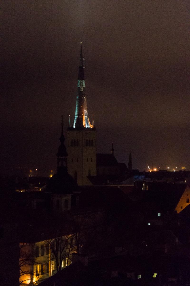 Вечерний Таллин. Церковь Олевисте.
