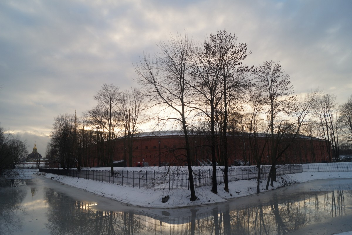 Санкт-Петербург. Декабрь у Кронверкского канала.