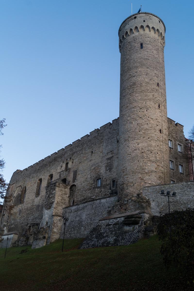 Таллин. Башня Длинный Герман.