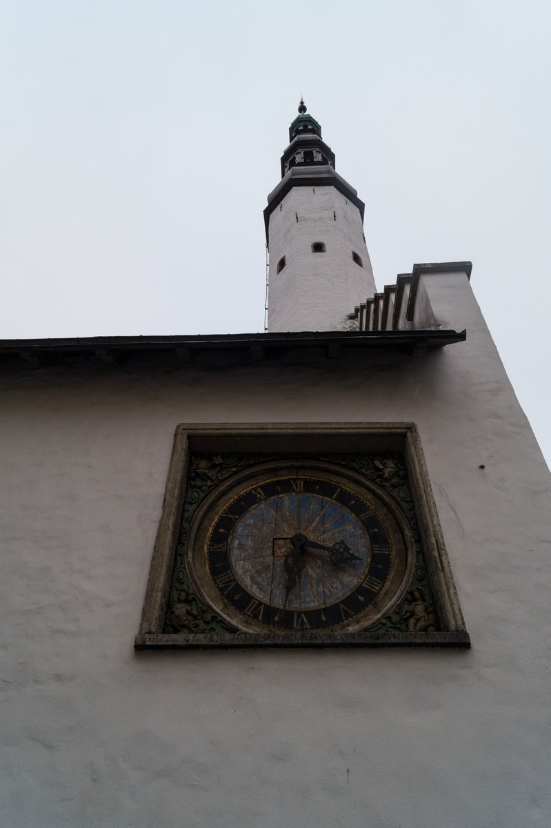 Таллин. У церкви Святого Духа. Старая башня.