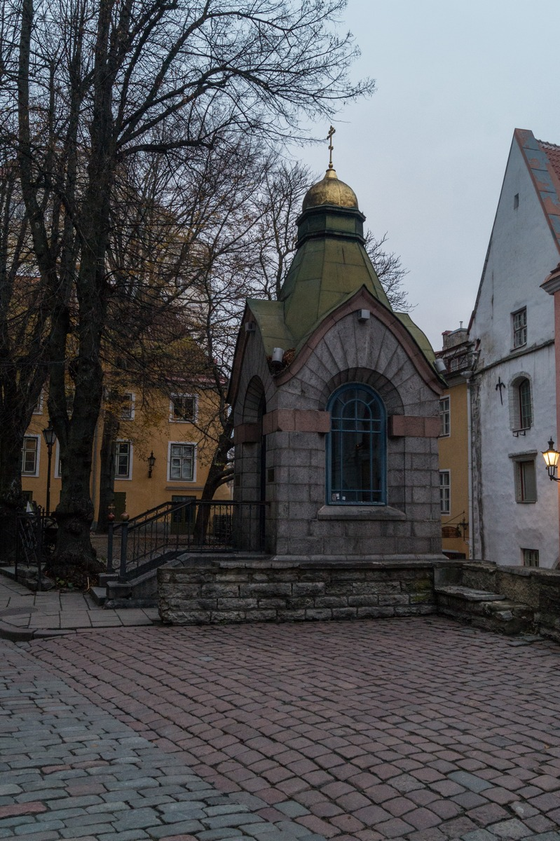 Таллин. Часовня у бывшего Зеленого рынка.
