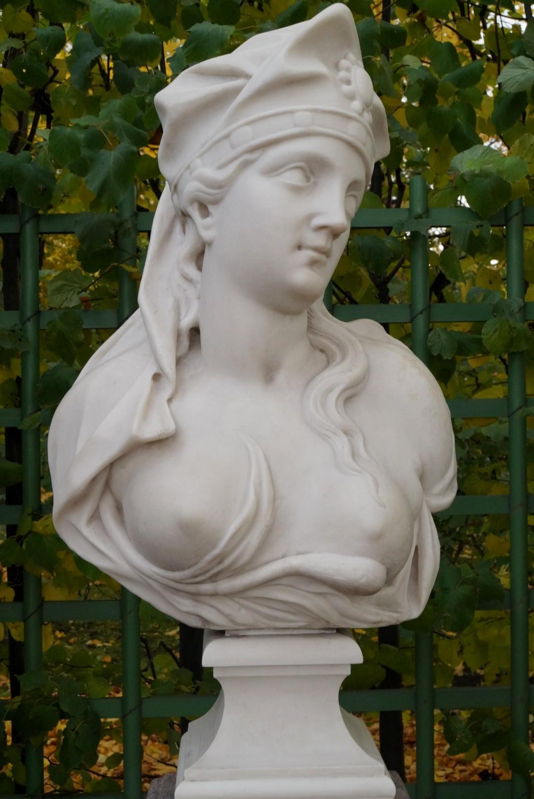 Летний сад. Сивилла Самосская. Начало 18 века. Италия.