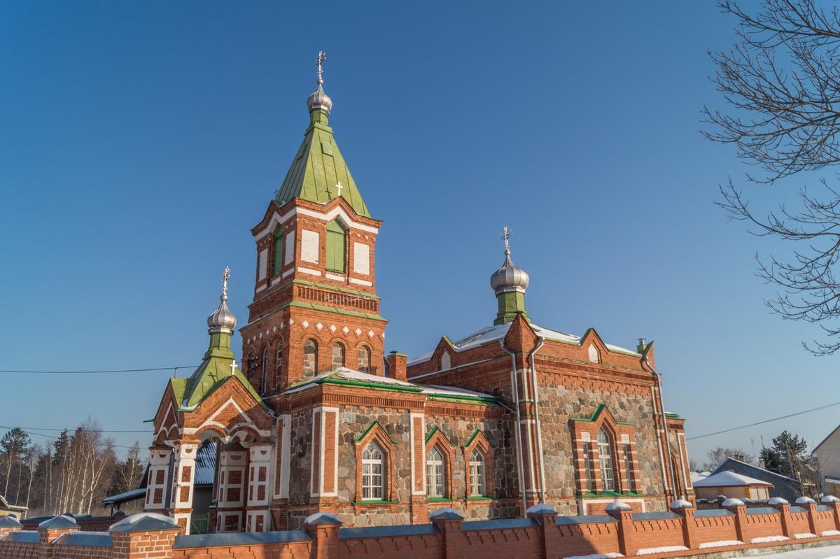 Эстония. На Чудском озере. Поселок Лохусуу. Богоявленская церковь.