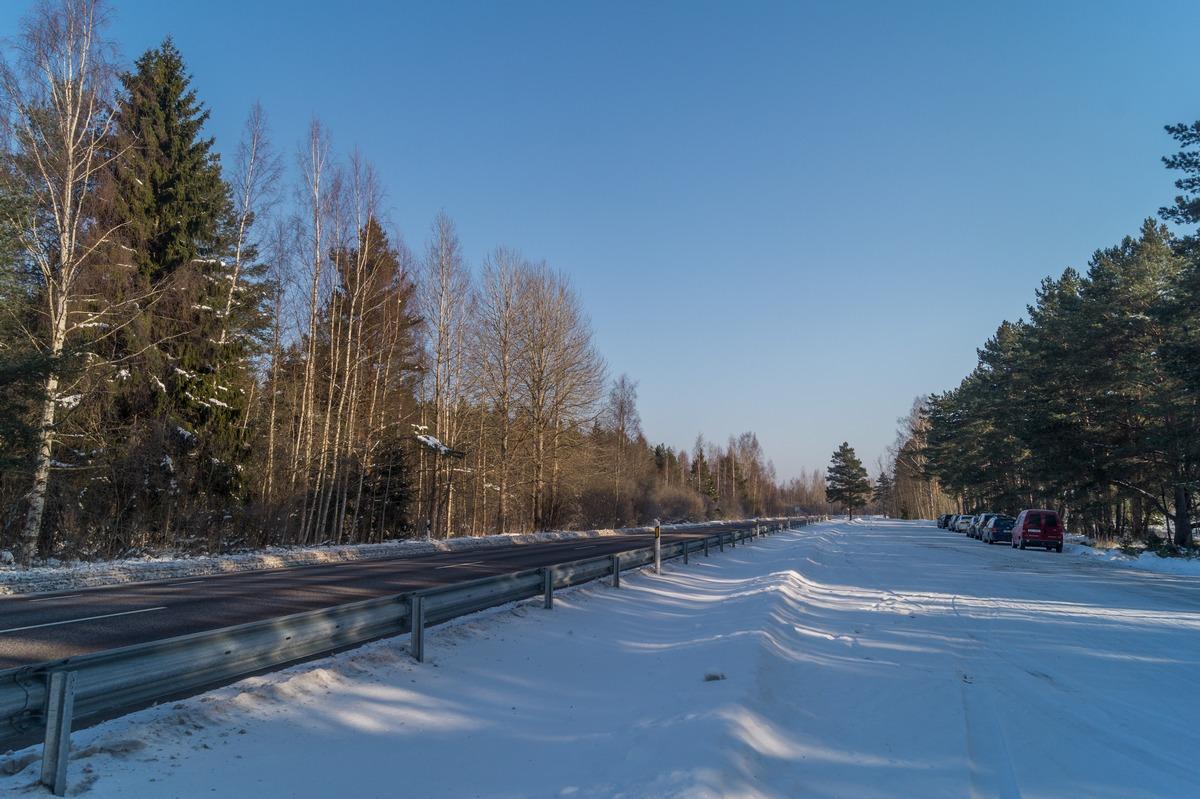 Эстония. У Чудского озера. Удобная парковка для рыбаков.